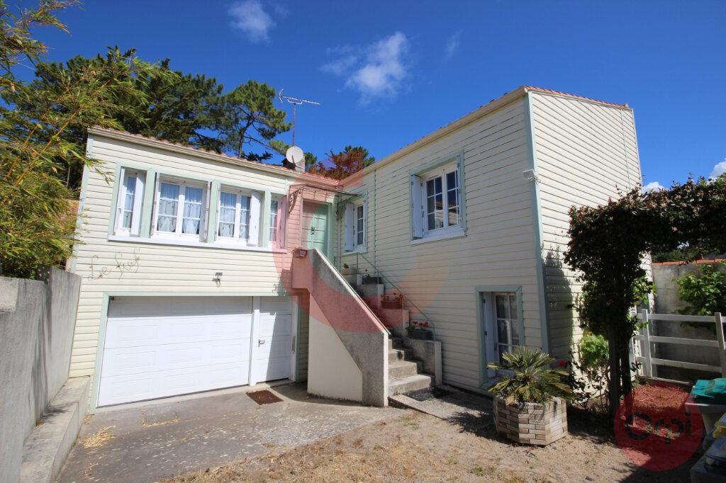 Maison à vendre 5 120m2 à Saint-Jean-de-Monts vignette-1