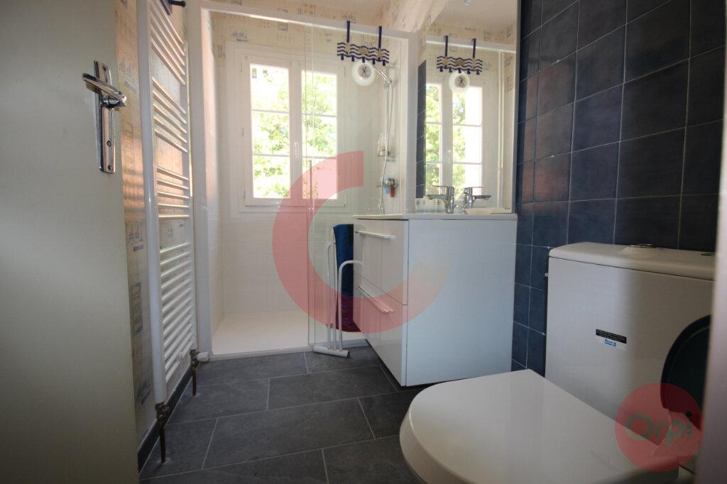 Maison à vendre 5 120m2 à Saint-Jean-de-Monts vignette-5