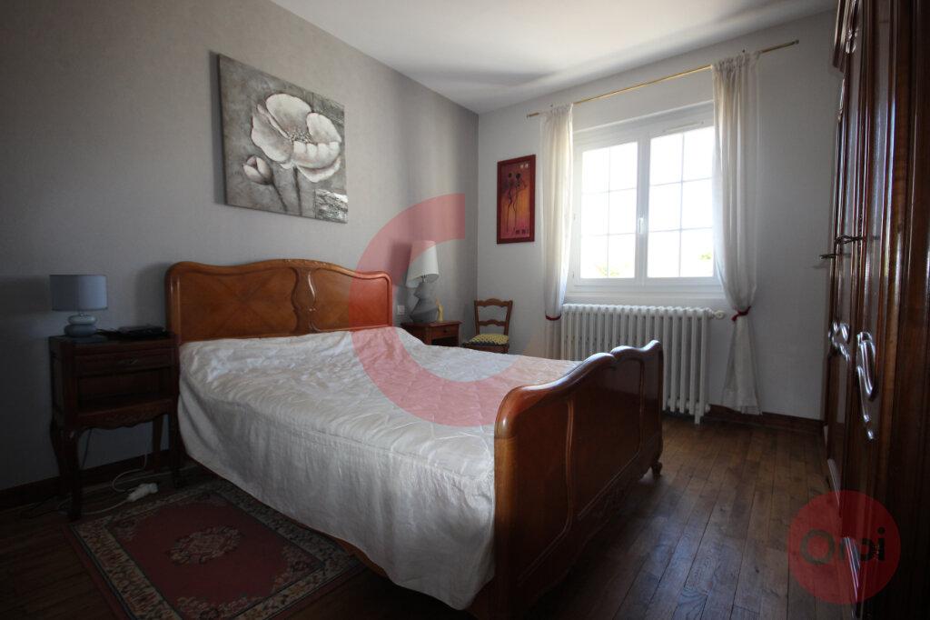 Maison à vendre 5 120m2 à Saint-Jean-de-Monts vignette-7