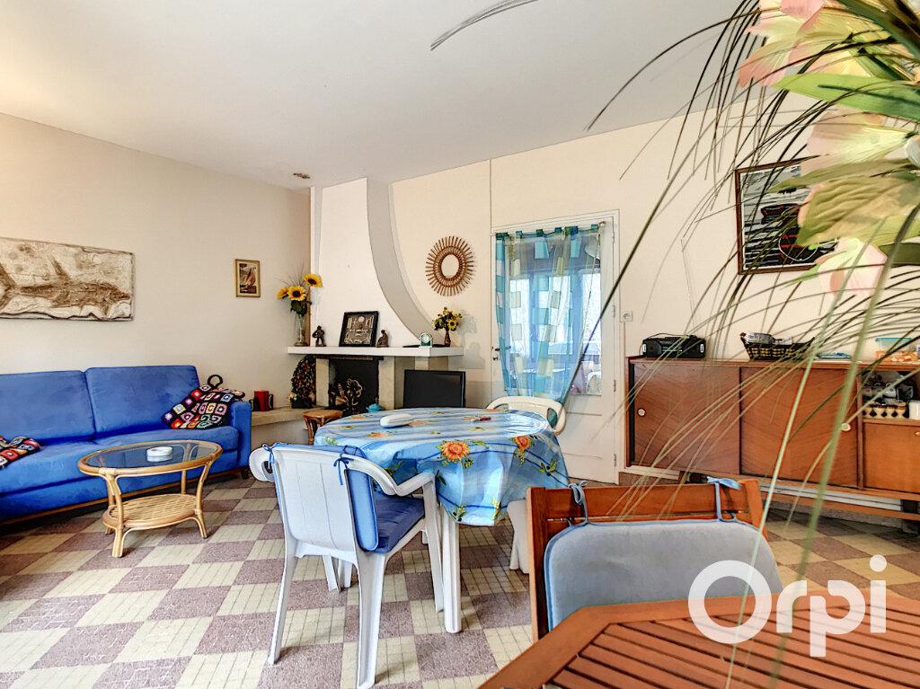 Maison à vendre 3 63m2 à La Barre-de-Monts vignette-5
