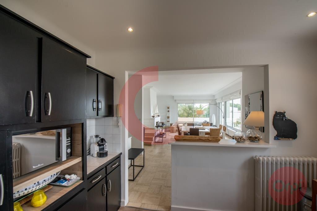 Maison à vendre 7 243.59m2 à Saint-Jean-de-Monts vignette-5