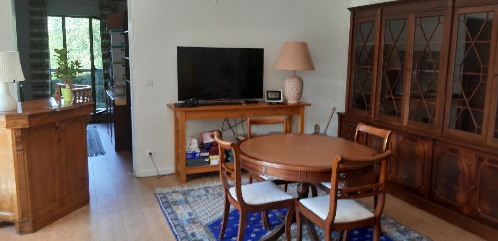 Appartement à louer 4 97.44m2 à Le Chesnay vignette-2