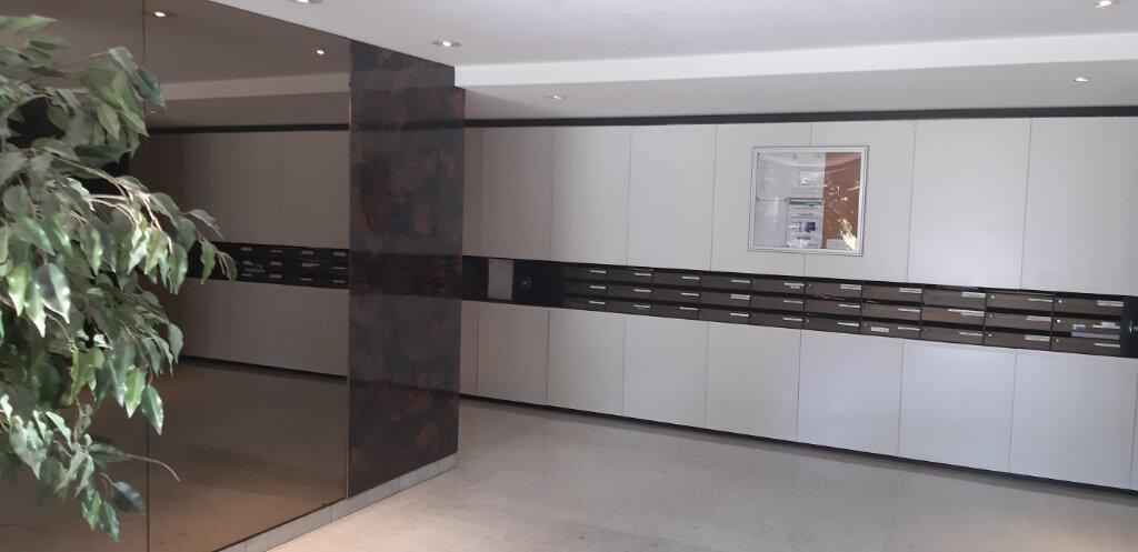 Appartement à louer 4 97.44m2 à Le Chesnay vignette-8