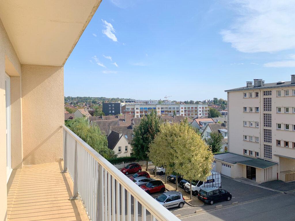 Appartement à louer 4 66.57m2 à Le Chesnay vignette-6