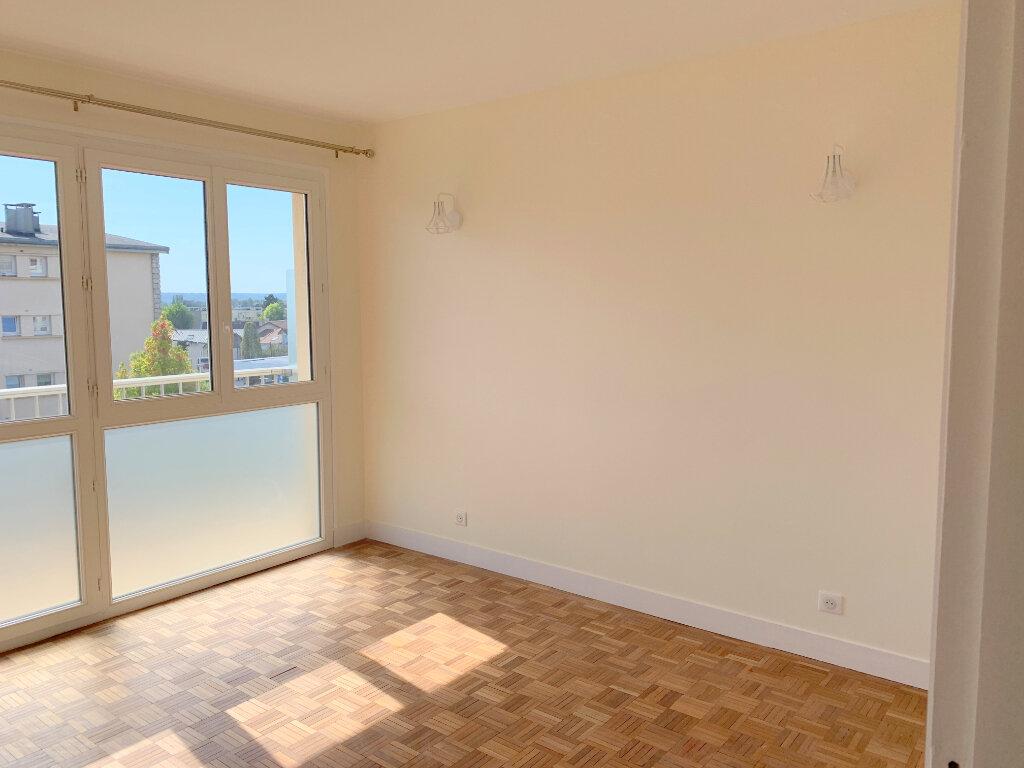 Appartement à louer 4 66.57m2 à Le Chesnay vignette-7