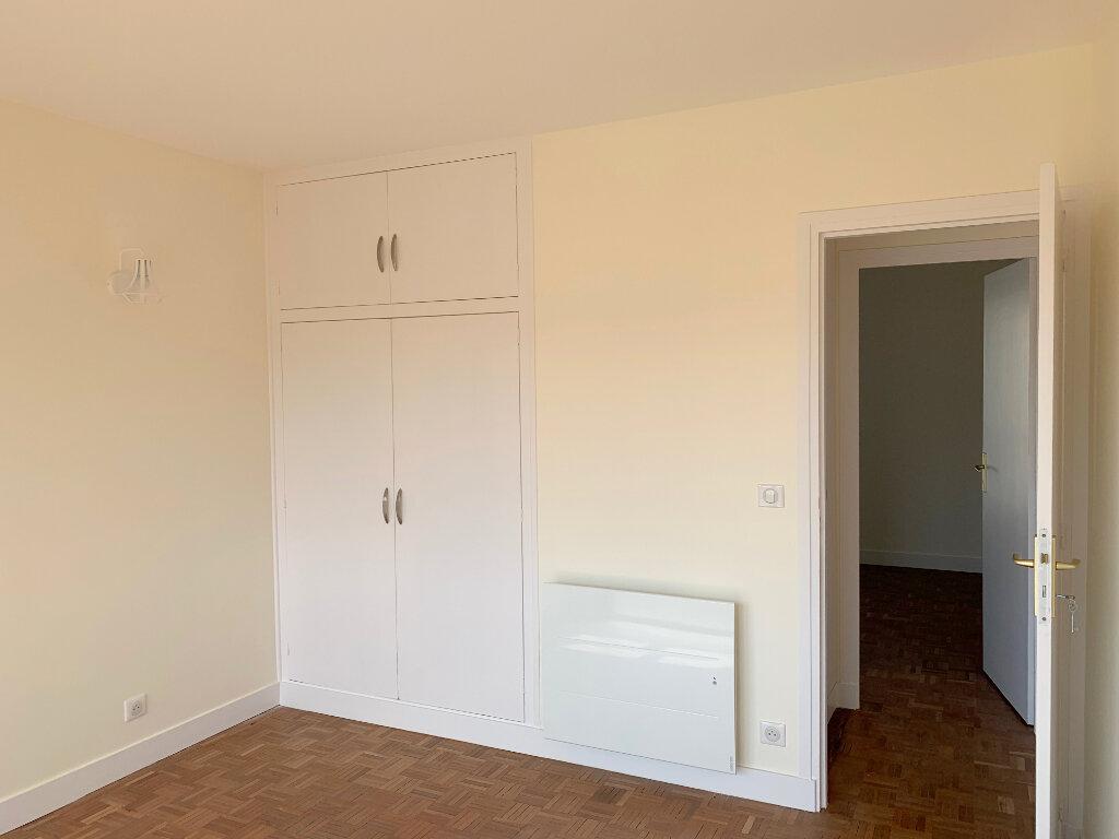 Appartement à louer 4 66.57m2 à Le Chesnay vignette-8