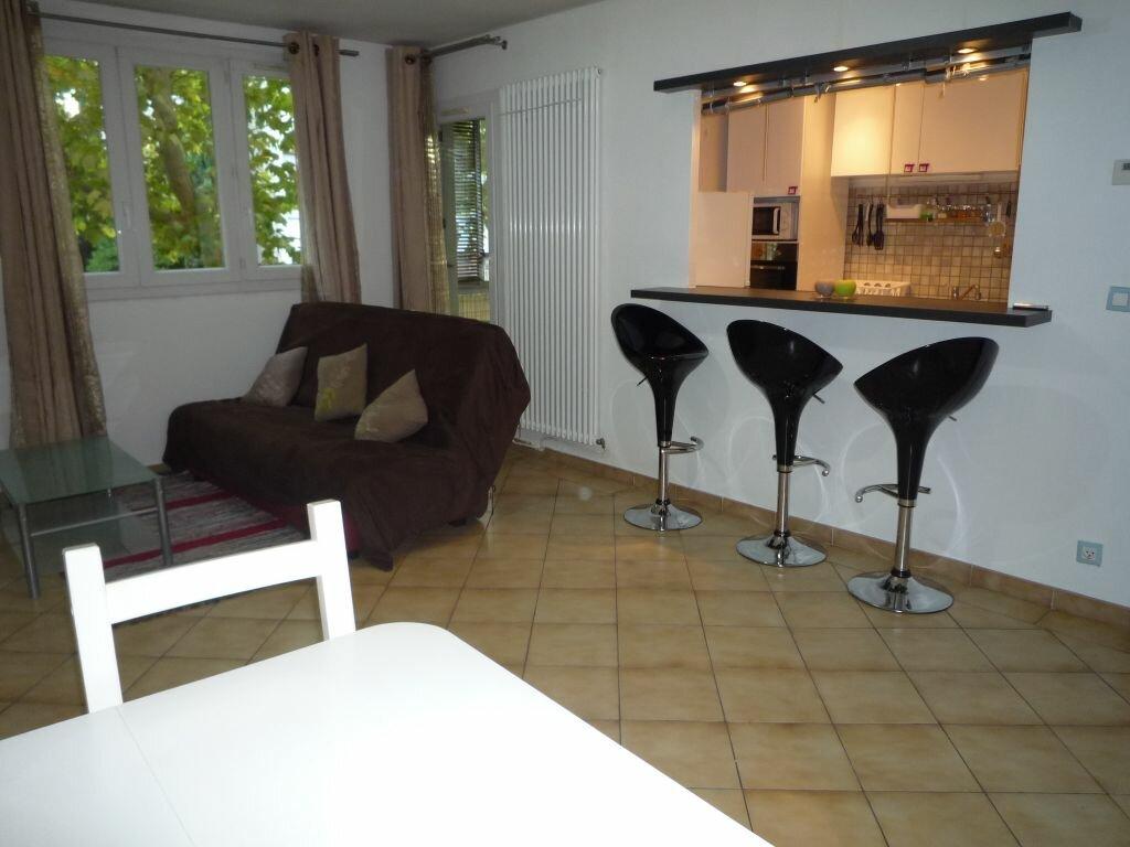 Appartement à louer 3 60.52m2 à Montpellier vignette-1
