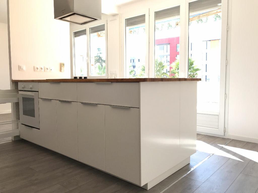Appartement à louer 5 105.94m2 à Montpellier vignette-1