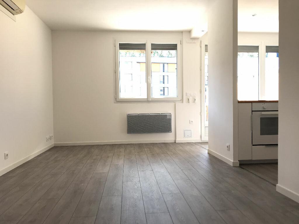Appartement à louer 5 105.94m2 à Montpellier vignette-10