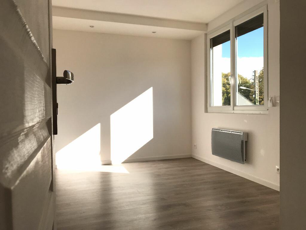 Appartement à louer 5 105.94m2 à Montpellier vignette-12