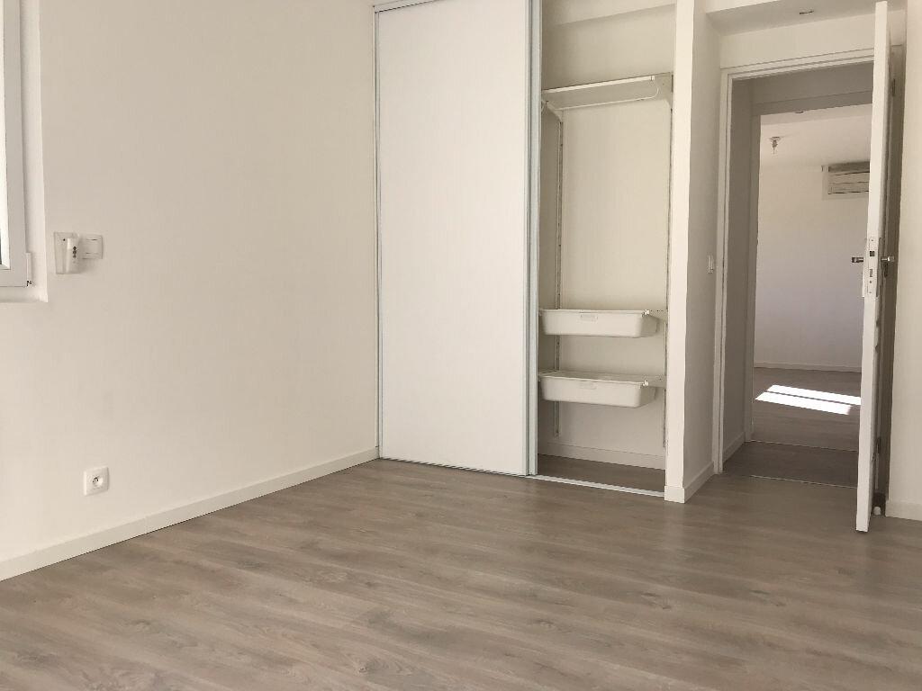 Appartement à louer 5 105.94m2 à Montpellier vignette-14
