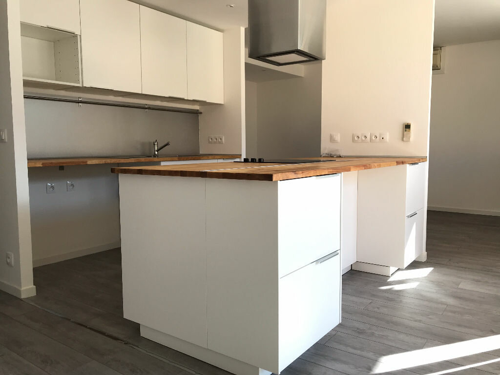 Appartement à louer 5 105.94m2 à Montpellier vignette-15