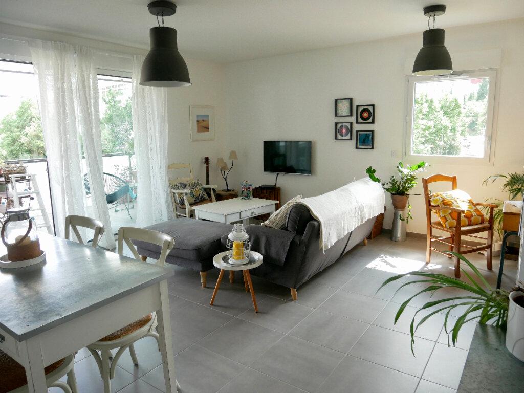 Appartement à vendre 3 81.6m2 à Montpellier vignette-2
