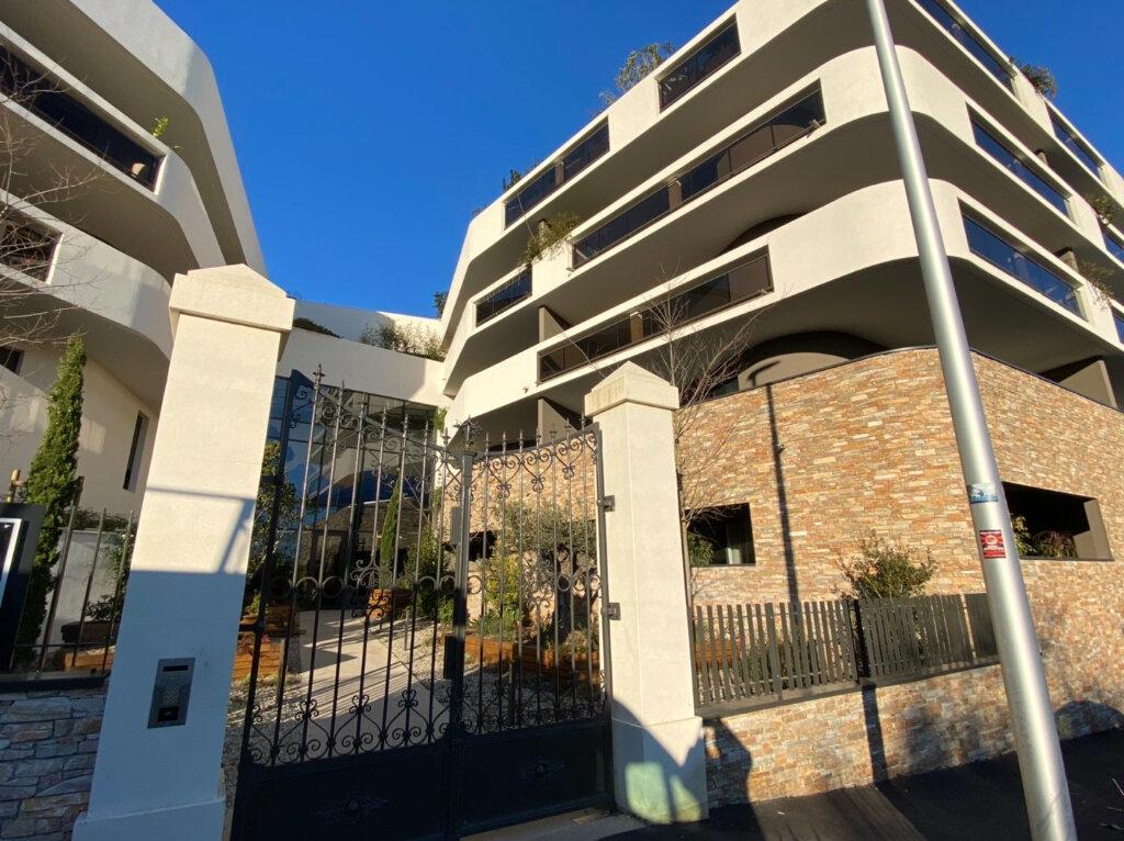 Appartement à louer 3 63.6m2 à Montpellier vignette-1