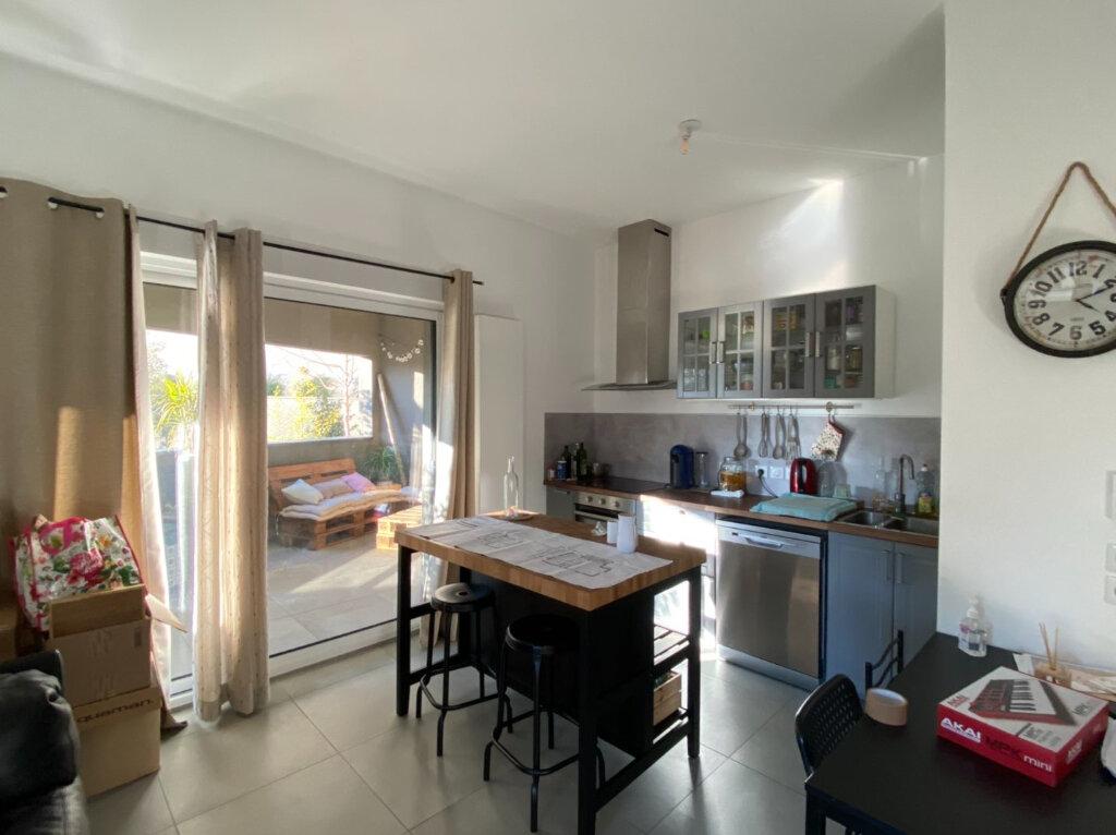 Appartement à louer 3 63.6m2 à Montpellier vignette-2