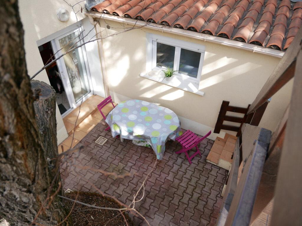 Immeuble à vendre 0 90m2 à Montpellier vignette-2