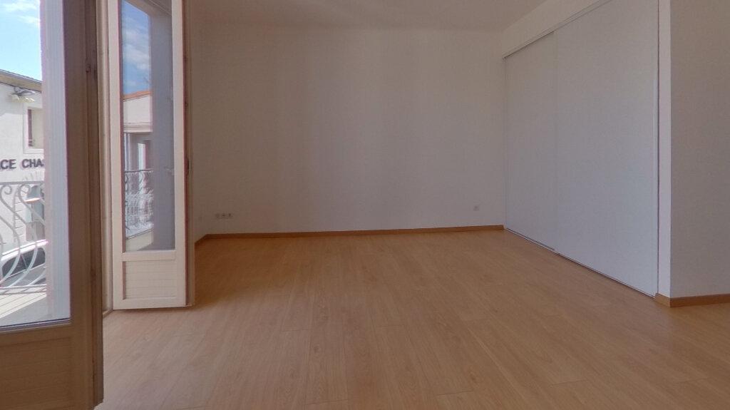 Appartement à louer 2 70.12m2 à Saint-Gély-du-Fesc vignette-3
