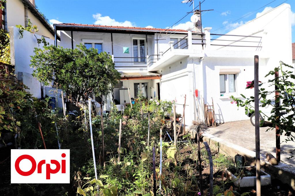 Maison à vendre 6 158m2 à Villejuif vignette-1