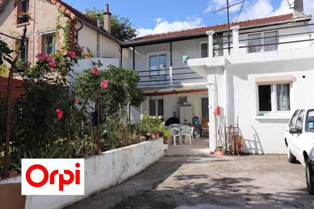 Maison à vendre 6 158m2 à Villejuif vignette-4