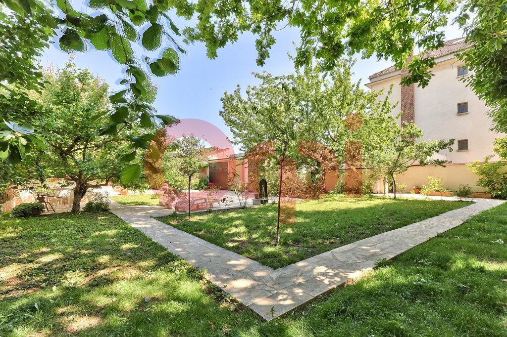 Maison à vendre 5 131m2 à Villejuif vignette-3
