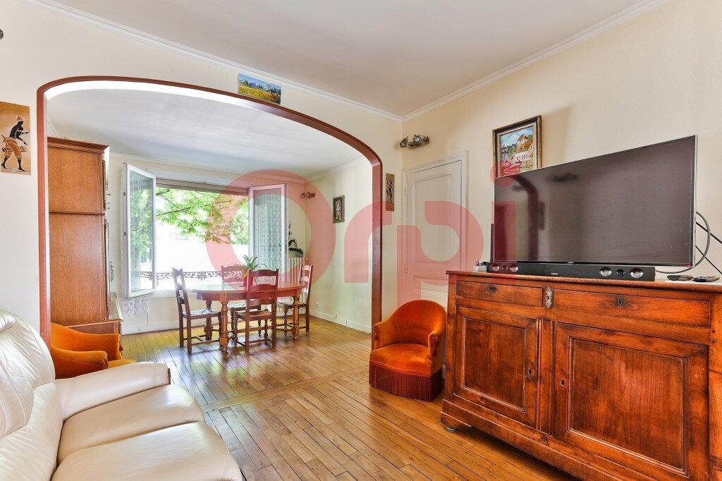 Maison à vendre 5 131m2 à Villejuif vignette-5