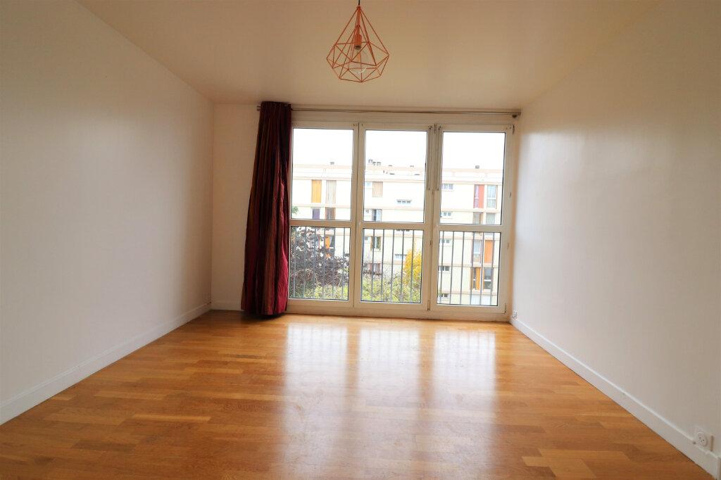 Appartement à louer 4 57m2 à Vitry-sur-Seine vignette-1