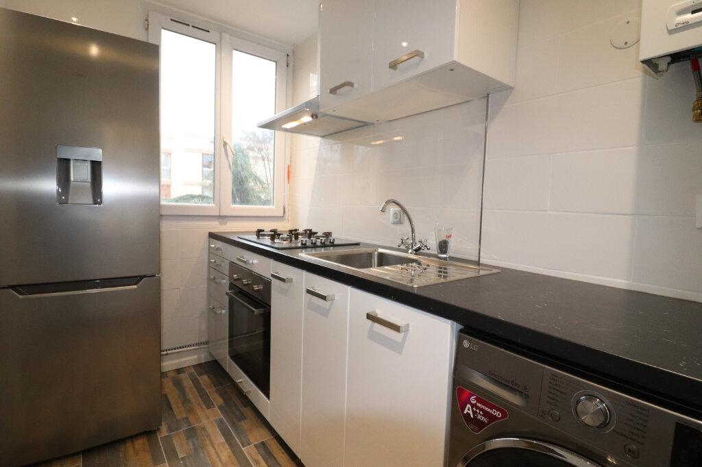 Appartement à louer 4 57m2 à Vitry-sur-Seine vignette-3