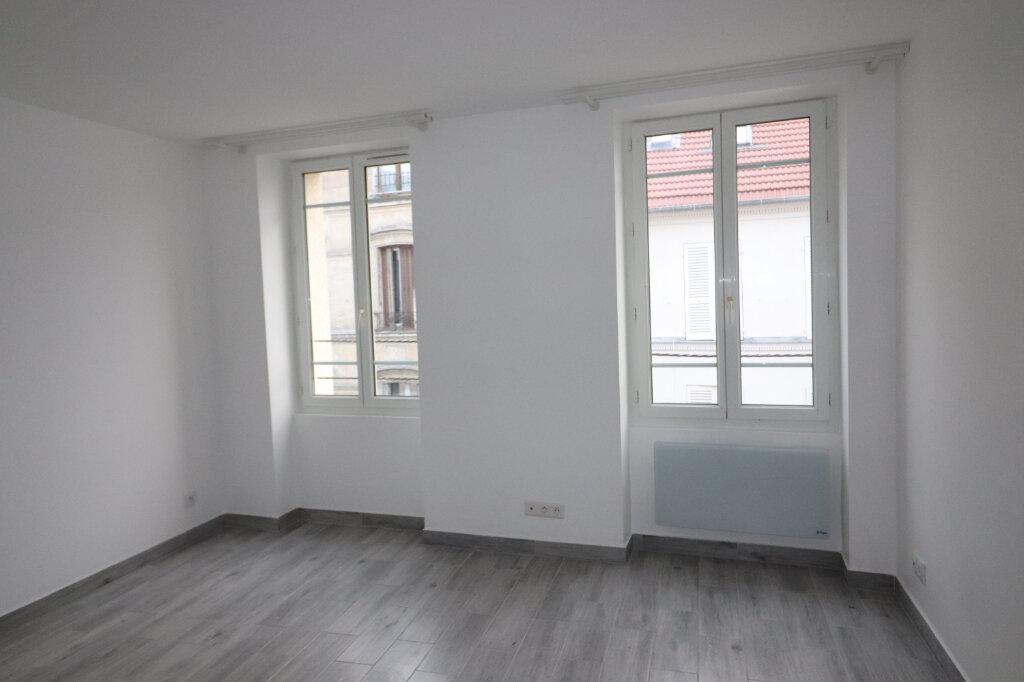 Appartement à louer 1 19m2 à Villejuif vignette-1