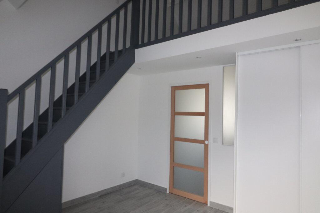 Appartement à louer 2 29.37m2 à Villejuif vignette-1