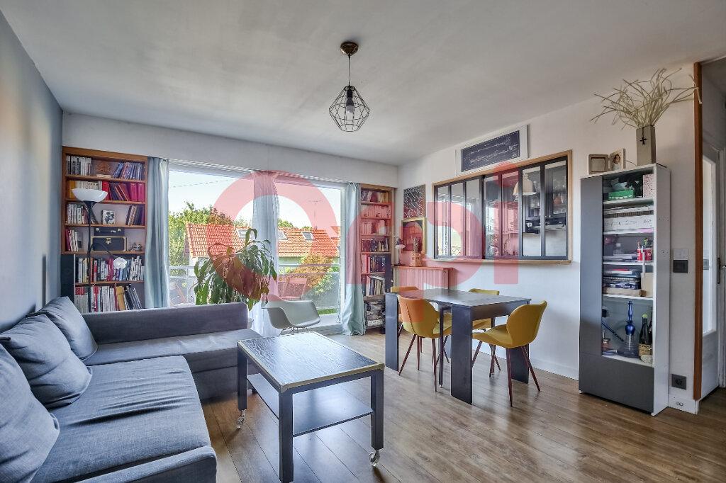 Appartement à vendre 2 54.55m2 à Villejuif vignette-1