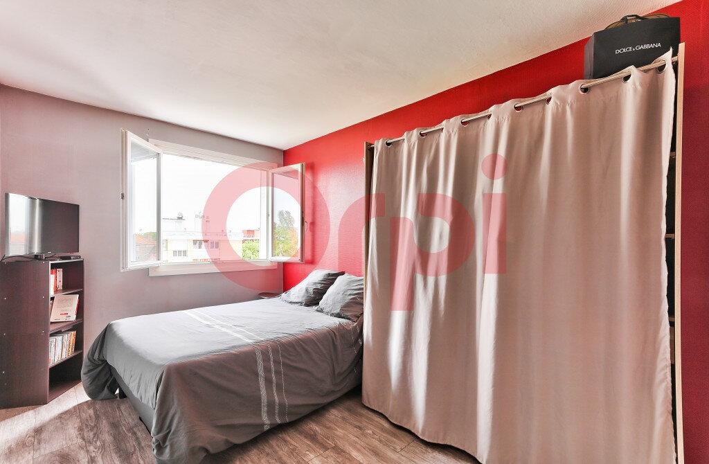 Appartement à vendre 4 57.47m2 à Villejuif vignette-6