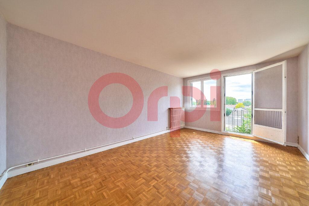 Appartement à vendre 3 61.76m2 à Villejuif vignette-1