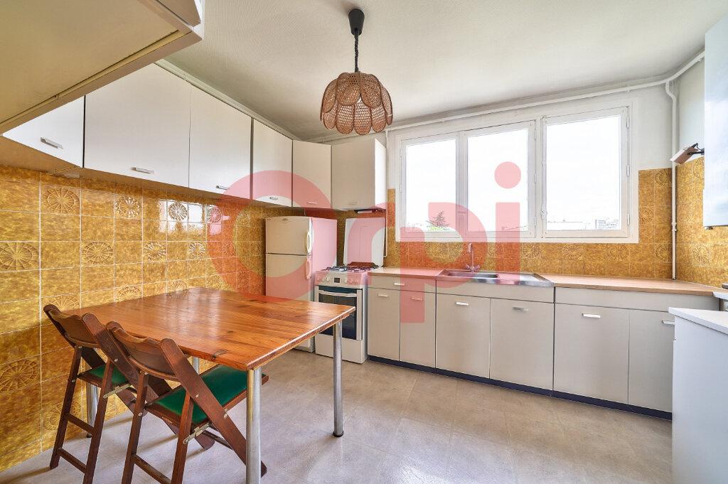 Appartement à vendre 3 61.76m2 à Villejuif vignette-4
