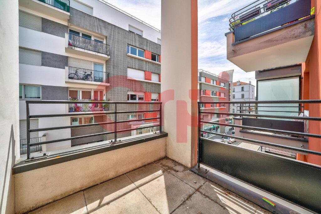 Appartement à vendre 2 41m2 à Villejuif vignette-4