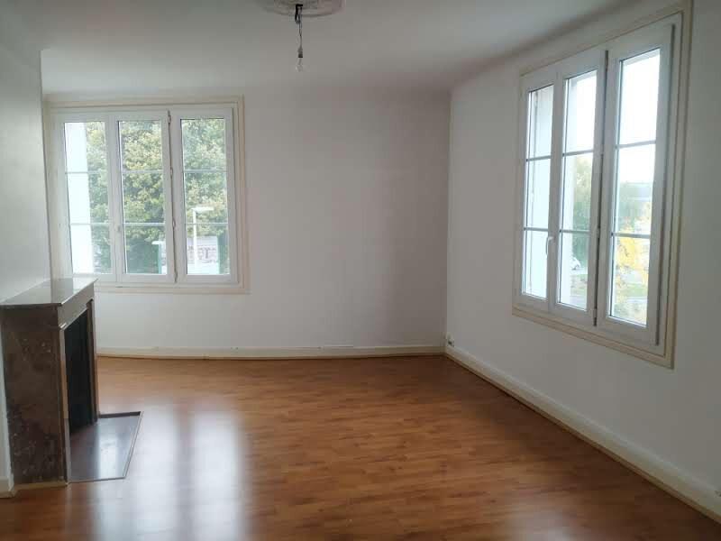 Appartement à louer 4 120.57m2 à Compiègne vignette-5