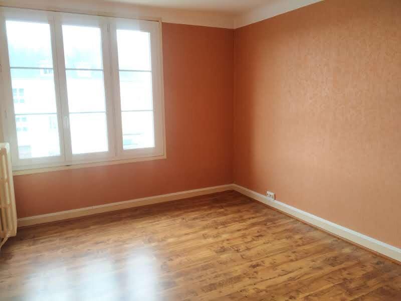 Appartement à louer 4 120.57m2 à Compiègne vignette-7