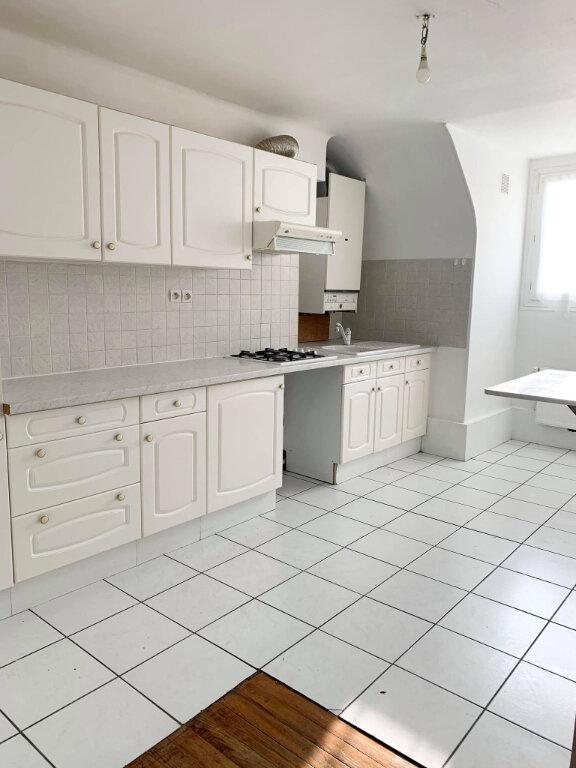 Appartement à louer 3 65.8m2 à Margny-lès-Compiègne vignette-1