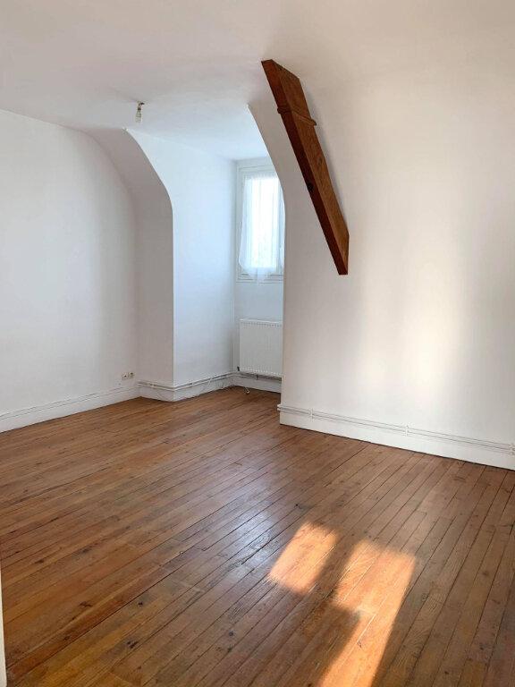 Appartement à louer 3 65.8m2 à Margny-lès-Compiègne vignette-2
