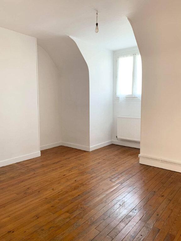 Appartement à louer 3 65.8m2 à Margny-lès-Compiègne vignette-3