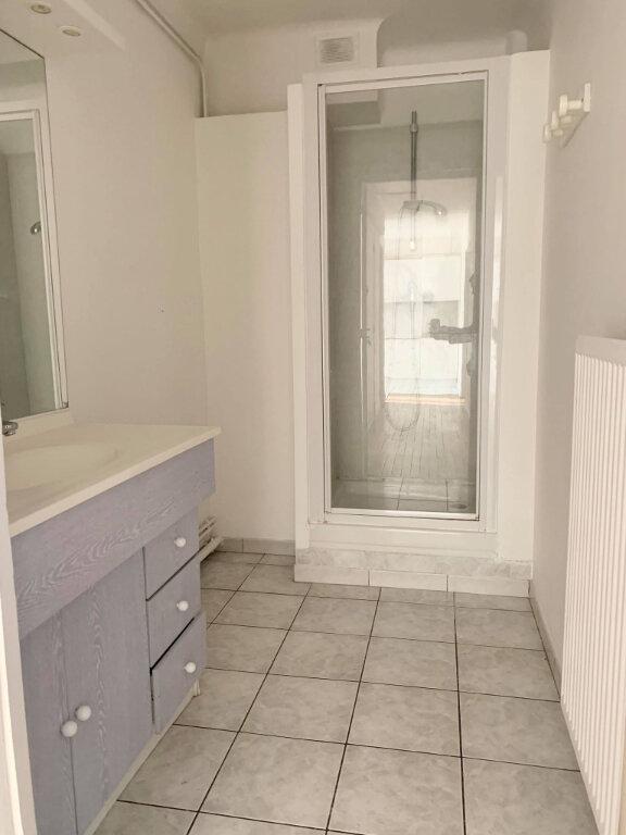 Appartement à louer 3 65.8m2 à Margny-lès-Compiègne vignette-6