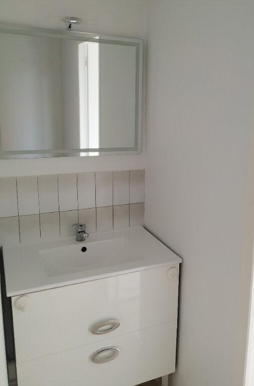 Appartement à louer 2 30.34m2 à Compiègne vignette-2