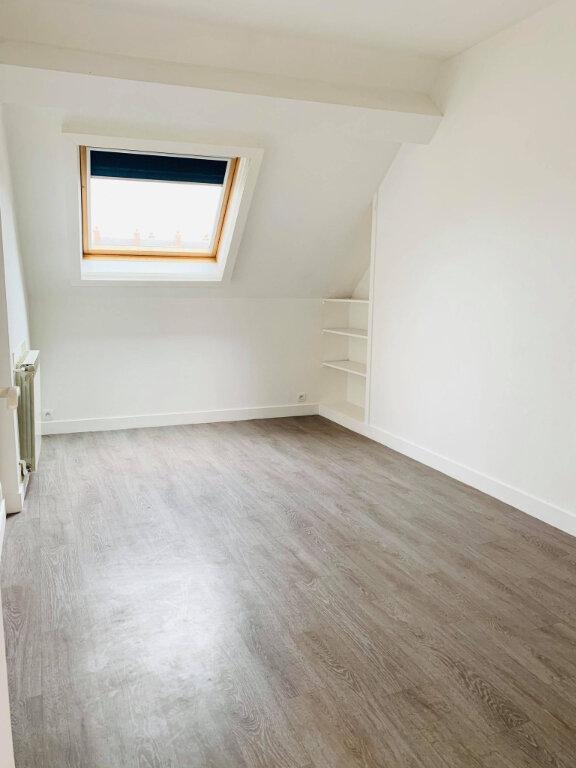 Appartement à louer 3 57.08m2 à Compiègne vignette-3