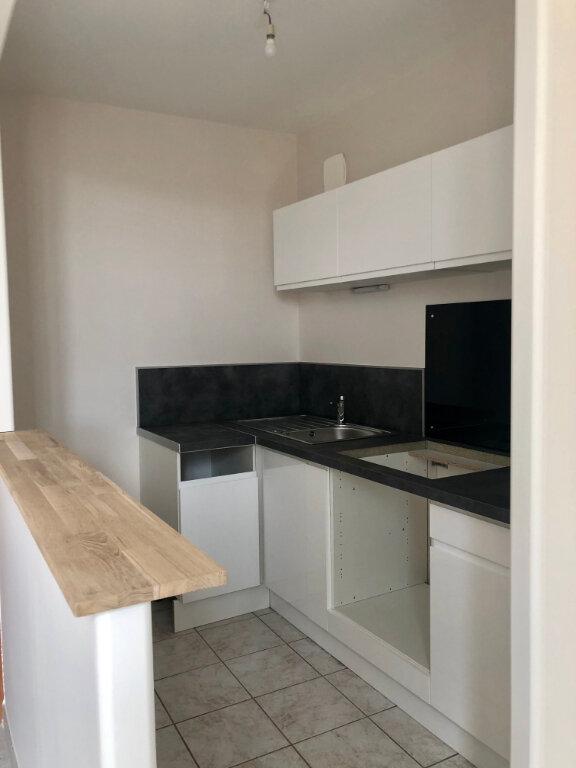 Appartement à louer 3 52.29m2 à Janville vignette-1