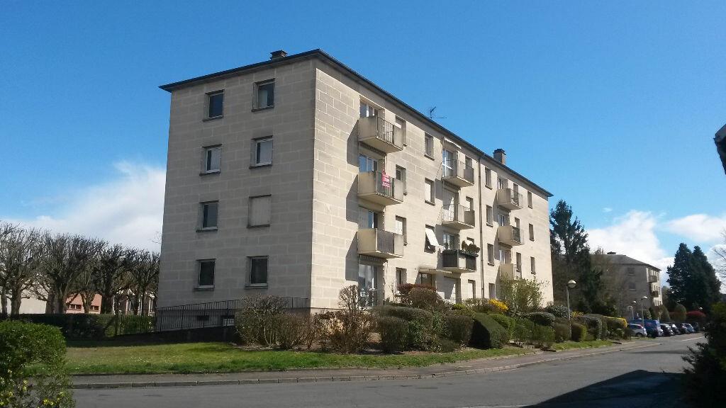 Appartement à louer 4 70.2m2 à Compiègne vignette-1
