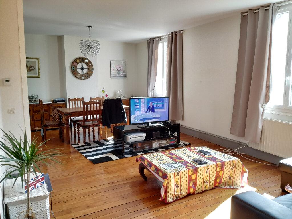 Appartement à louer 3 76.19m2 à Clairoix vignette-1
