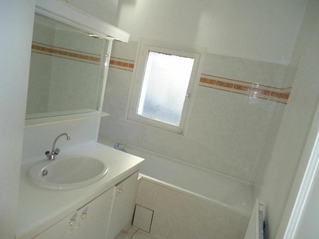 Appartement à louer 3 76.19m2 à Clairoix vignette-2