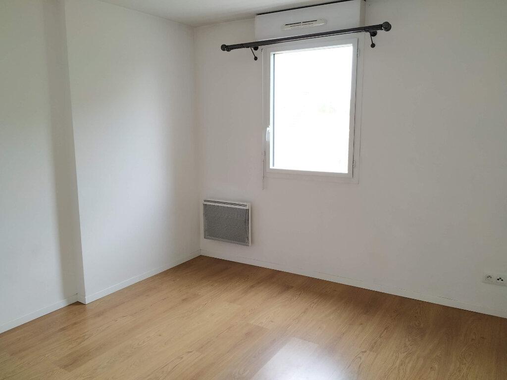Appartement à louer 3 67m2 à Compiègne vignette-4