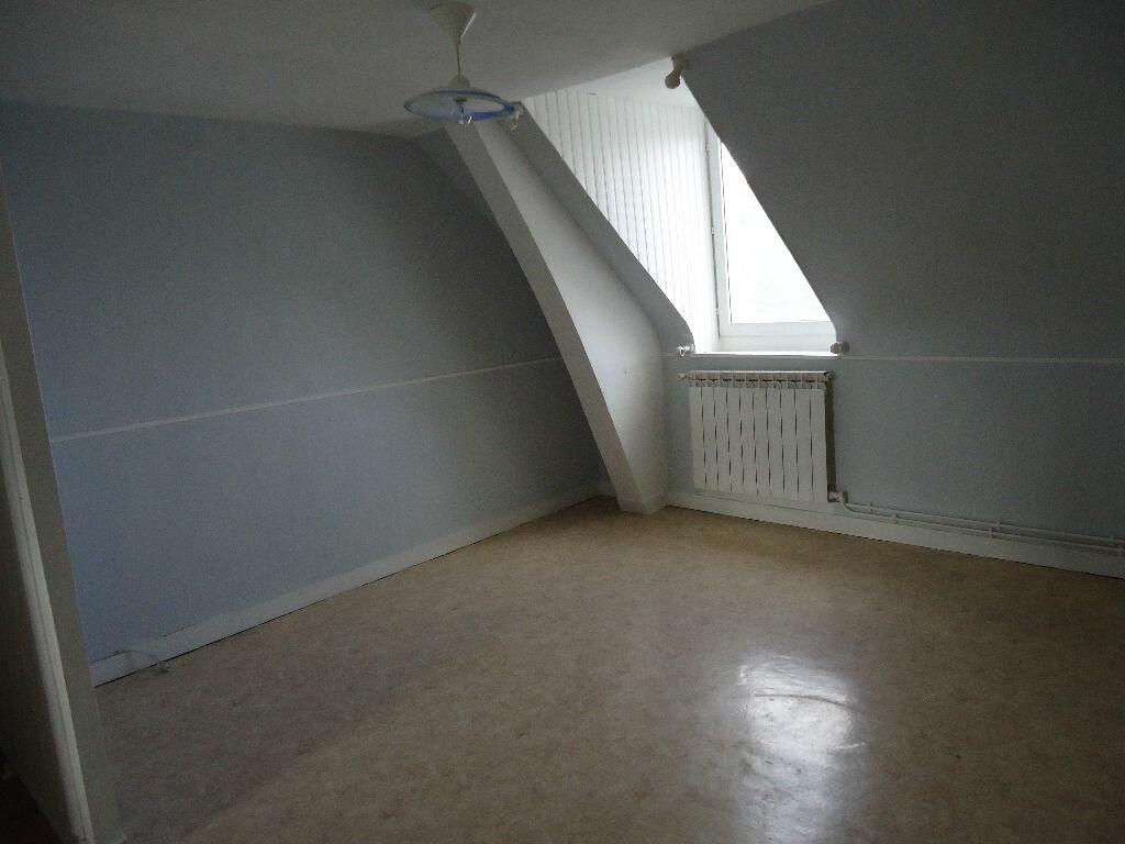 Appartement à louer 3 37.87m2 à Compiègne vignette-2
