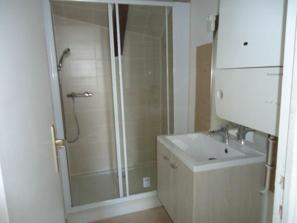 Appartement à louer 3 37.87m2 à Compiègne vignette-4