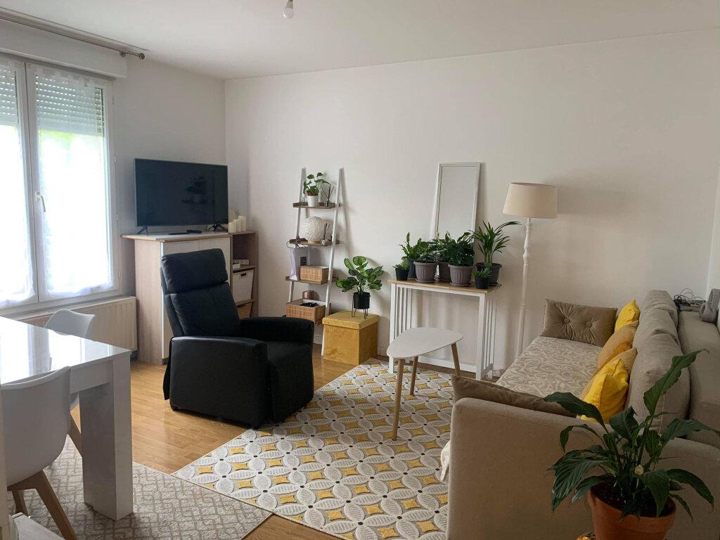 Appartement à louer 3 66.81m2 à Margny-lès-Compiègne vignette-1